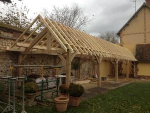 Fabrication d'un préau en chêne sur mesure, Louviers Eure 27400 devis gratuit