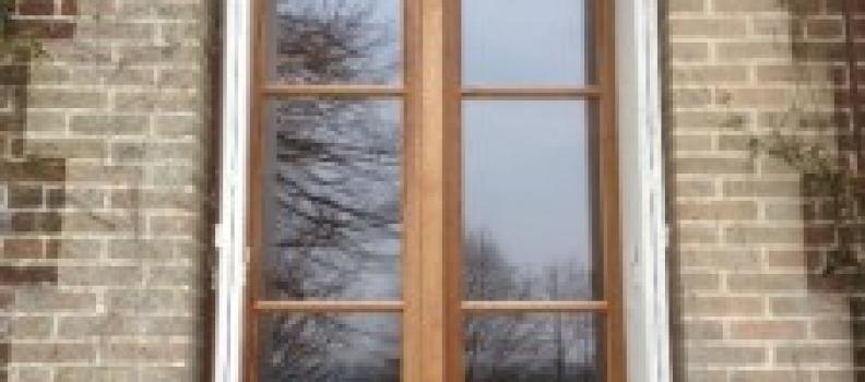 Fenêtre mouton et gueule de loup en chêne brun à Guitry 27510 proche des Thillers en vexin 27420