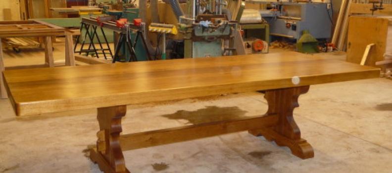 TABLE DE FERME MONASTERE EN CHENE BRUN à Tourny 27 proche des thilliers en vexin eure